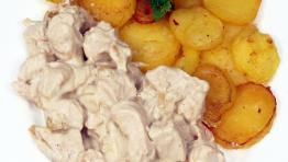 Fried potatoes with chicken bits in French style